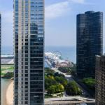 3b/3b SkyLoft with Navy Pier View Gym & Pool by ENVITAE
