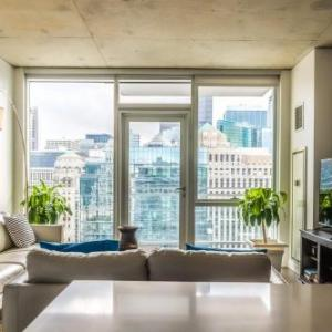 2BR/2BA Brand New Executive Luxury Suite w/ Rooftop Pool, Gym and Balcony by ENVITAE