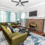 Large Lakeview Home! Walkable and Trendy