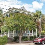 Dreamy Historic Home blocks away from King Street!
