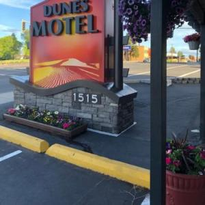 Tower Theatre Bend Hotels - Dunes Motel Bend