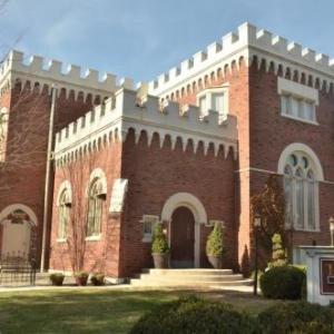 Indiana Landmarks Center Hotels - The Villa Inn And Restaurant And Spa - Bed And Breakfast