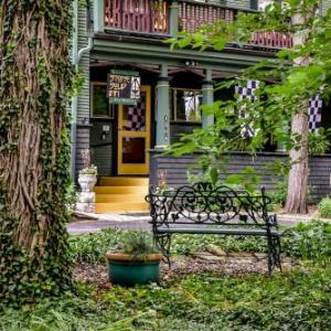 Stone Soup Inn - Bed And Breakfast