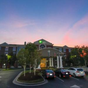 Holiday Inn Express Hotel & Suites Charleston-North