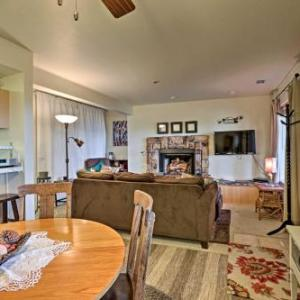 Cozy Stateline Condo with Hot Tub Access and Lake View