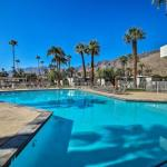 Palm Springs Contemporary Condo with Pool & Gym