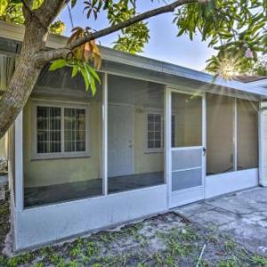 Cozy Duplex w/ Lanai 12 Mi to Discovery Cove in Kissimmee