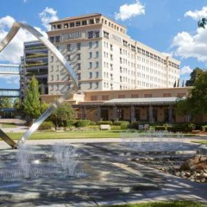 Hotels near Flint Center for the Performing Arts - Juniper Hotel Cupertino, Curio Collection By Hilton