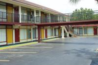 Budget Inn Winter Haven Image