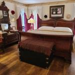 Accommodation near Montgomery Motorsports Park - Red Bluff Cottage Bed & Breakfast