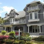Mavericks Jacksonville Accommodation - Riverdale Inn - Bed And Breakfast