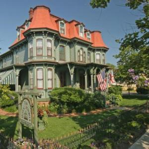 Cape May Convention Hall Hotels - The Queen Victoria - Bed And Breakfast - Adults Only