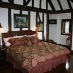 The Castle At Skylands Manor - Bed And Breakfast