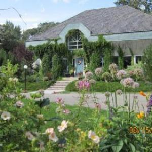 Sun Gro Centre Hotels - Evergreen Gate Bed And Breakfast