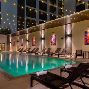 Hotels near Red 7 - Hilton Austin