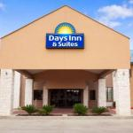 Accommodation near Lone Star Convention Center - Days Inn And Suites Conroe North