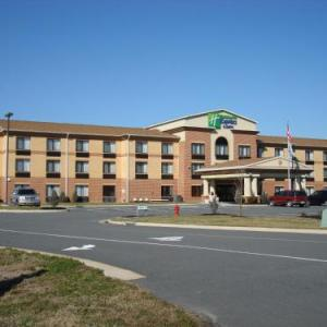 Hotels near Historic Palace Theater Cape Charles - Holiday Inn Express Hotel & Suites Exmore
