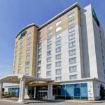 Centre Point Mall Accommodation - Holiday Inn Express Hotel & Suites Toronto - Markham