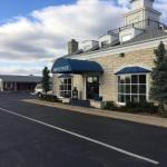 Alpine Inn & Suites Rockford
