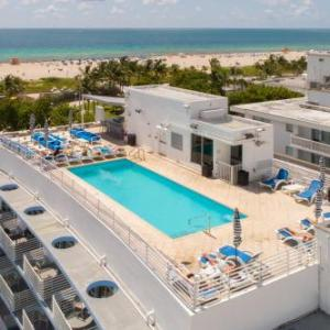Strand Ocean drive ROOFTOP POOL in Miami Beach