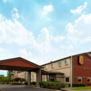 Hotels near St Paul Rodeo Arena - Super 8 Woodburn