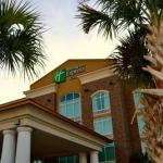 Family Circle Stadium Hotels - Holiday Inn Express and Suites North Charleston