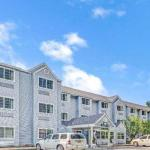 Accommodation near Mill Street Brews - Days Inn Sturbridge