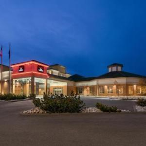 Castrol Raceway Hotels - The Executive Royal Hotel Edmonton Airport