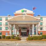 Hotels near Amphitheater at The Wharf - Holiday Inn Express Hotel & Suites Gulf Shores
