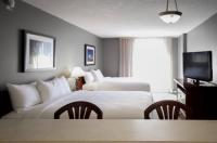 Holiday Inn Express Hotel & Suites Montreal Centre-Ville