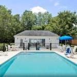 Mavericks Jacksonville Accommodation - Baymont Inn & Suites - Jacksonville