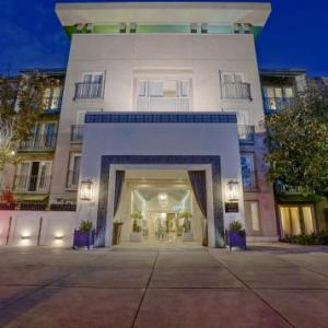 Los Angeles Equestrian Center Hotels - Hotel Amarano Burbank