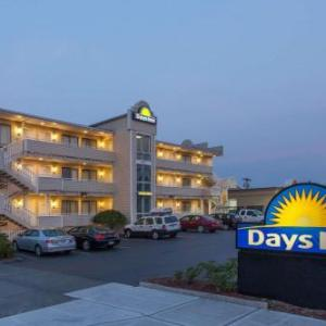 Taproot Theatre Hotels - Days Inn Seattle North Of Downtown