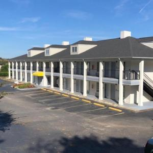 Claflin University Hotels - Baymont Inn & Suites - Orangeburg