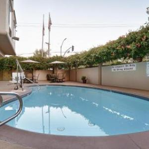 Hotels near Hoover Theatre - BEST WESTERN PLUS Airport Plaza