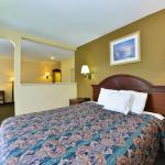 Hotels near Lust Night Club - Americas Best Value Inn & Suites Independence