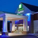 Colonial Downs Accommodation - Holiday Inn Express Williamsburg North
