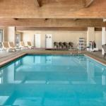 Hotels near Westfair Amphitheater - Country Inn & Suites Council Bluffs
