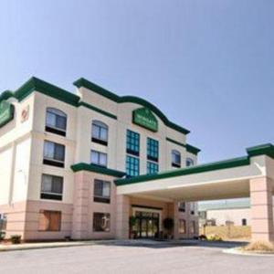 Hotels near Six Flags Over Georgia - Wingate By Wyndham - Atlanta At Six Flags