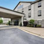 Accommodation near Garland County Fairgrounds - Comfort Inn And Suites Hot Springs