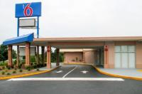 Motel 6 Greensboro Image