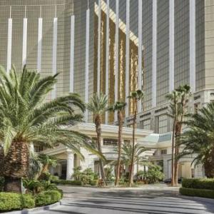 Mandalay Bay Resort Hotels - Four Seasons Hotel Las Vegas
