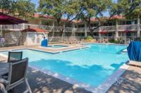 Motel 6 Dallas - Addison Image