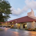 Accommodation near Wooley Bulley's - Red Roof Inn Findlay