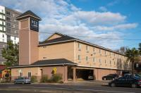 Red Lion Inn & Suites Eugene Image