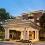 Hotels near Family Circle Stadium - Holiday Inn Express And Suites Mount Pleasant