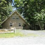 Blowing Rock School Accommodation - Cabin Fever by VCI Real Estate Services
