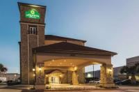 La Quinta Inn & Suites Dallas Grand Prairie Image