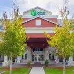 Accommodation near King Center for the Performing Arts - Holiday Inn Express Hotel & Suites Palm Bay