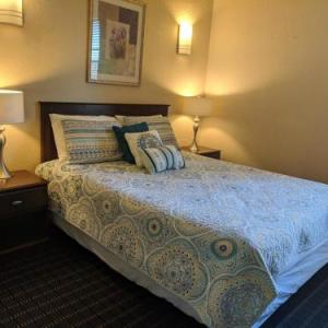 Athens Hotel & Suites in Houston